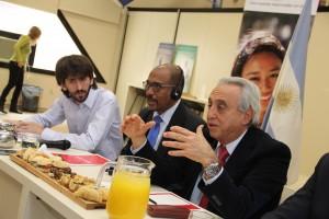 Pedro Cahn, Michel Sidibe y Federico Kaski