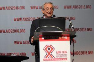 El Dr. Pedro Cahn presenta los resultados del estudio PADDLE